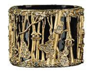Браслет от Chanel, золотая и черная эмаль, стразы, металл.