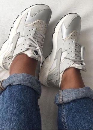 Kaufe meinen Artikel bei #Kleiderkreisel http://www.kleiderkreisel.de/damenschuhe/turnschuhe/124866610-nike-air-huarache-wmns-sneaker-beige-light-bone-neu
