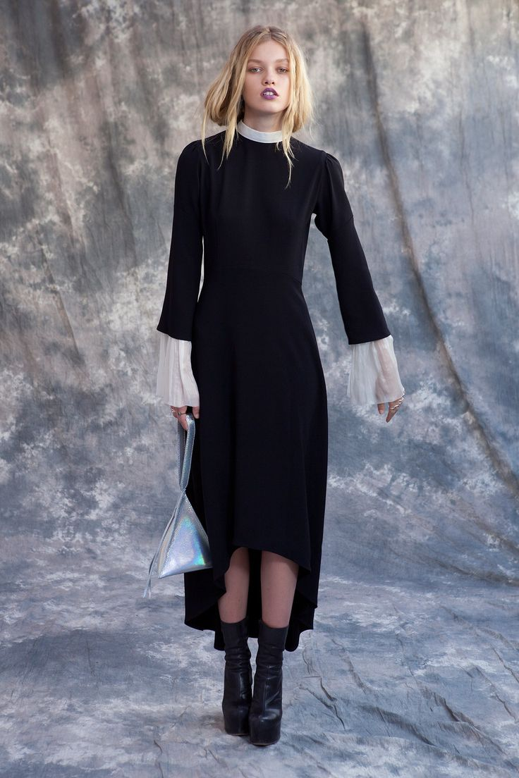 View the complete Wendy Nichol Spring 2017 Ready-to-Wear Collection from New York Fashion Week.