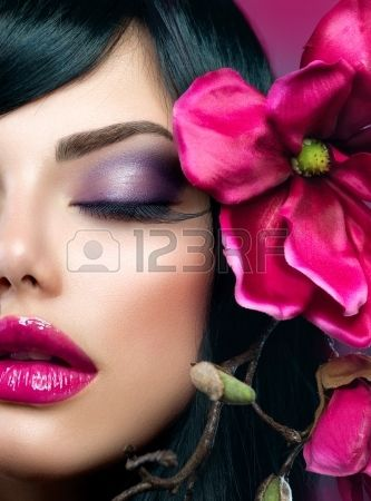 Perfect Holiday Makeup  Beauty Brunette Model Girl