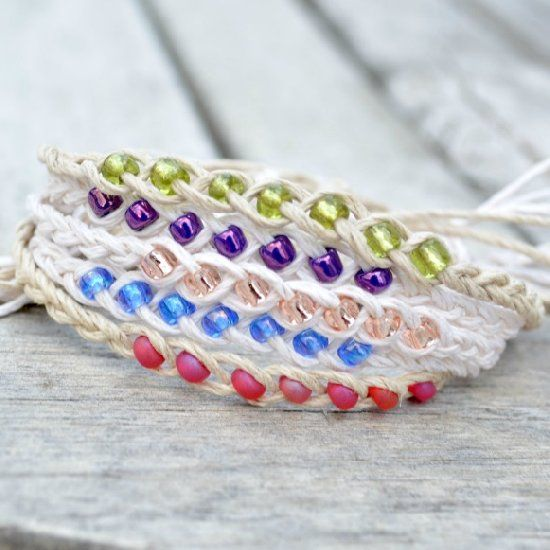"""Make these simple braided """"wish"""" bracelets in less than 10 minutes. Video tutorial."""