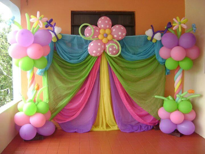 Columnas en flores decoraci n con globos pinterest for Background decoration for birthday party