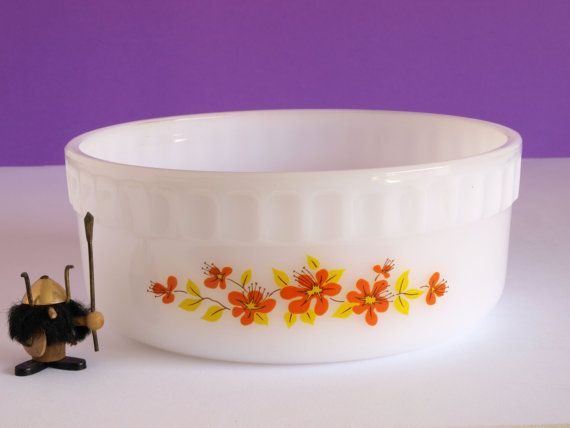 Retro Vintage Agee Crown Ovenware Pyrex Orange Blossom 70s Souffle Dish - Serving Dish - Made in Australia