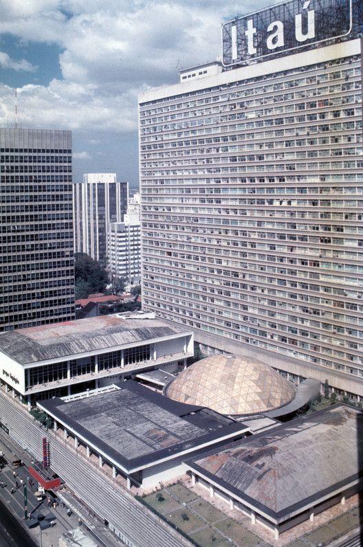 6c93aecb8 Galeria de Clássicos da Arquitetura  Conjunto Nacional   David Libeskind -  10