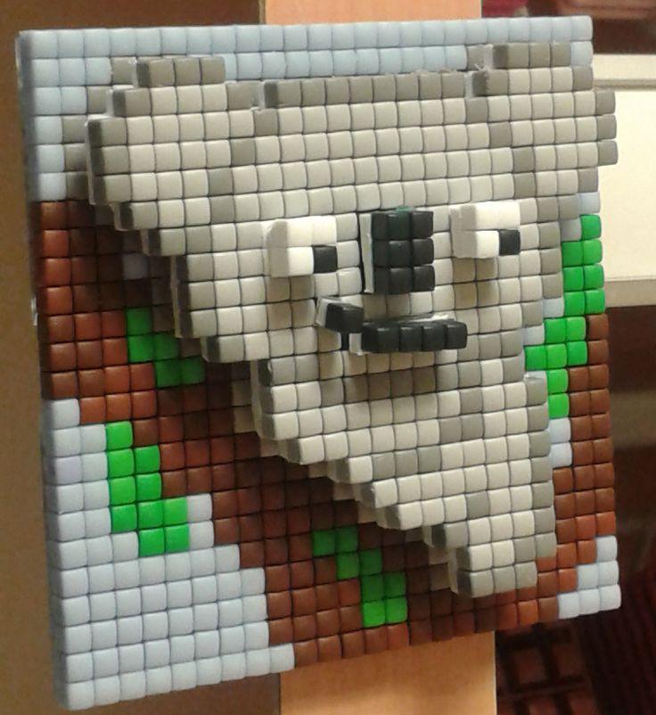 3D pixel kun je heel makkelijk zelf! Kom voor de uitleg langs bij Hobbyshop Woerden - #pixel #pixelhobby #koala #3D #boom #zelfbedacht #blauw #plakken #pixelen #lief #foam #diy #stickers #kinderen #hobbyshopwoerden #hobbyshop #woerden - Hobbyshop Woerden  0348 430 411  http://www.hobbyshopwoerden.nl http://www.facebook.com/hobbyshopwoerden