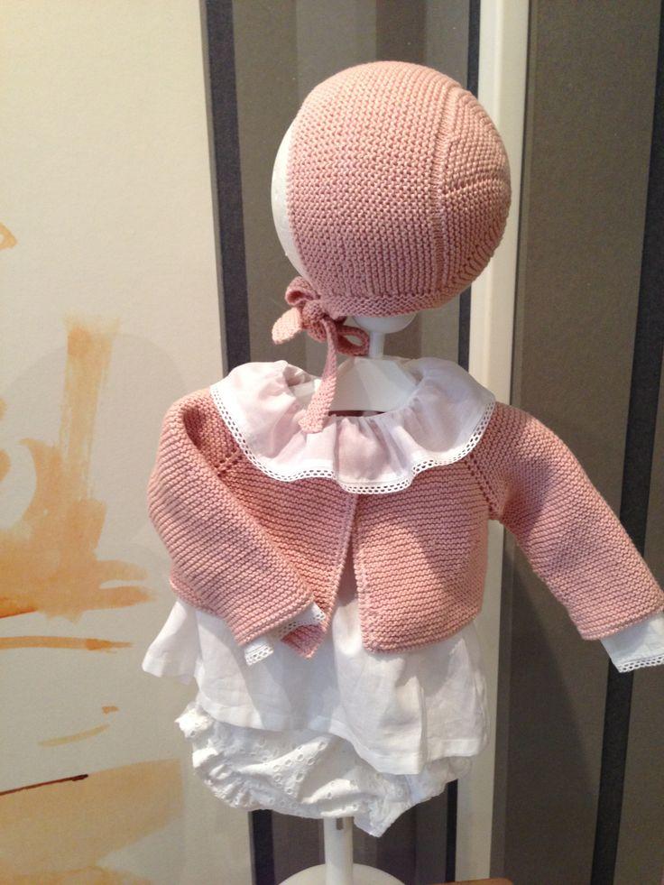 Chaqueta niña rosa hecha a mano