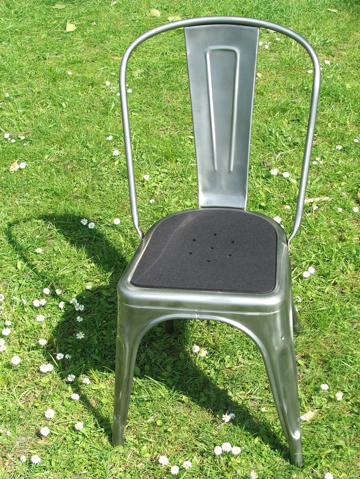 Passend für Ihren Tolix Stuhl - TOLIX SITZAUFLAGE AUS FILZ MIT LOCHMUSTER - FARBE: SCHWARZ