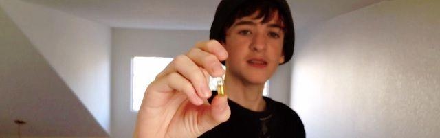 VIDEO: Tiener behandelt ziekte van Crohn met cannabis en krijgt zijn leven terug - http://www.ninefornews.nl/video-tiener-behandelt-ziekte-van-crohn-met-cannabis-en-krijgt-zijn-leven-terug/