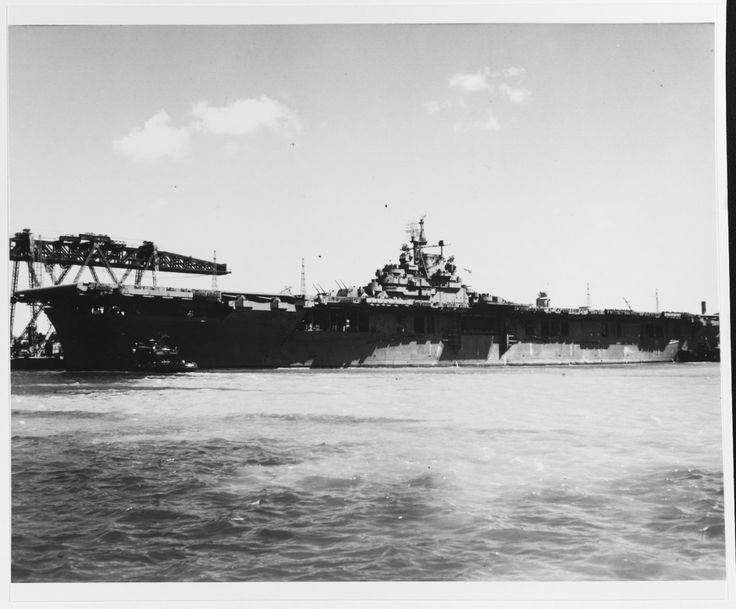 CV-16 Leadship of the Essex class CV-9 USS Essex at Pearl Harbor August 1943.