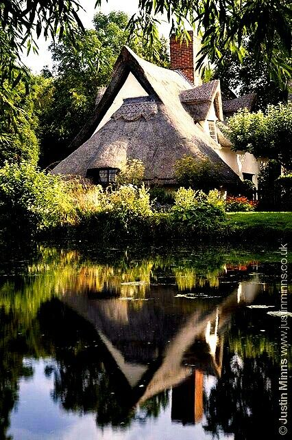 English cottage by Justin Minns