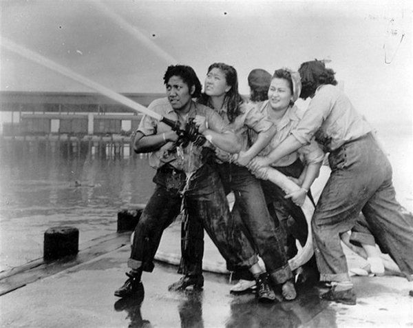 Female firefighters at Pearl Harbor (1941).