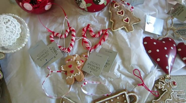 Christmas decor by zoella christmas ideas pinterest for Christmas bedroom inspiration zoella