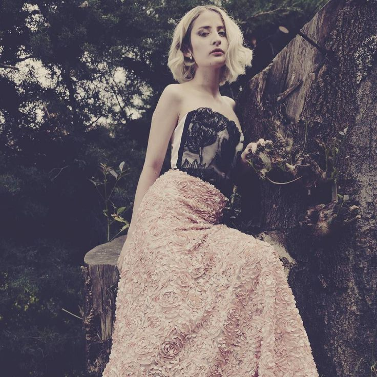 Dreamy rose dress in the foret!  #dreamy #Fashion #delicate #dress #flowers #wonderland #fashioneditorial #highfashion #Newtalent #fashionmodel #fashionstyling #fashionphotographer #Bogota #styling #stylist #newstyle #instagood #model #girl #flower #forest  Model: Vanesa Caro @haruvanesa  MUA: Marianny Cortes @m.o.y.1 Designer Me.  Ph: @ego.fotografia.