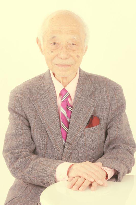 ゲスト◇瀬川昌久(Masahisa Segawa)1924年東京生まれ。東京大学法学部を卒業後に富士銀行に入行。駐在員として1950年代のニューヨークに滞在し、本場のジャズを研究し評論活動を開始。特に戦前ジャズのレコードの発掘と紹介を勤め、『レコードコレクターズ』誌に多数寄稿。富士銀行定年退職後は、ジャズ、レビュー、ミュージカルの舞台企画、監修、評論、解説、音楽関連レクチャーやコンサートの企画などを精力的に行う。現在は『月刊ミュージカル』(ミュージカル出版社)編集長を務める。