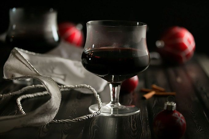 Home made Mulled Wine hot chocolate recipe. Easy to make. 热巧克力红酒 http://tummyfriend.com/mulled-wine-hot-chocolate-recipe/ #wine# #recipe# #hotchocolate#