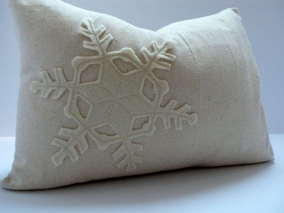 SNOWFLAKE Applique pillow! Red and white would be more interesting...