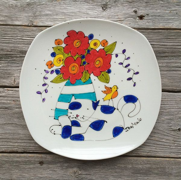 Assiette décorative porcelaine, peint à la main, chat, bouquet fleurs, oiseau, par Isabelle Malo de la boutique IsamaloArtiste sur Etsy