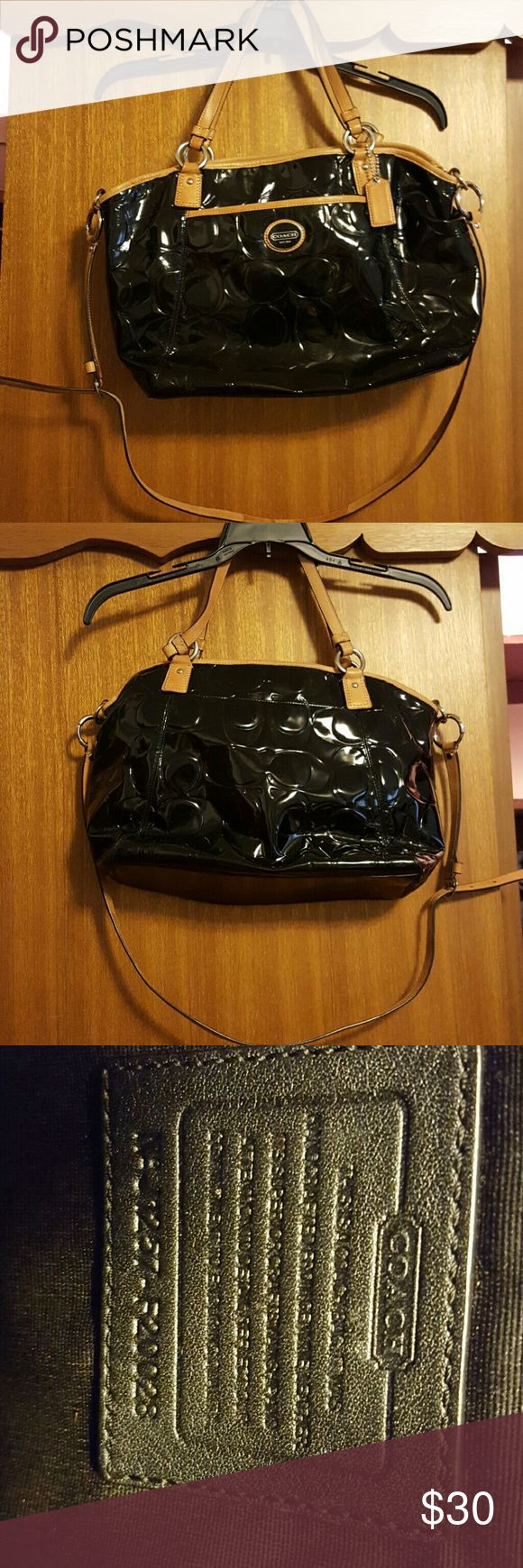 Black coach purse Black and tan coach purse Coach Bags Shoulder Bags