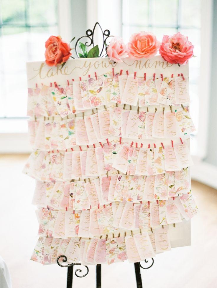 お花とピンクの水彩画♡ <ピンク・キュートな結婚式エスコートカード・席札まとめ一覧>