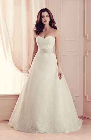 Sweetheart A-Line Wedding Dress  with Empire Waist in Alencon Lace. Bridal Gown Style Number:32960585