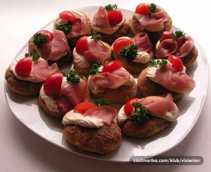 Robíte Silvestrovskú párty u vás a neviete, čo pripraviť pod zub? S týmito najlepšími receptami budú vaši hostia odchádzať určite spokojní. Všetky recepty sú pomerne jednoduché, výborne...