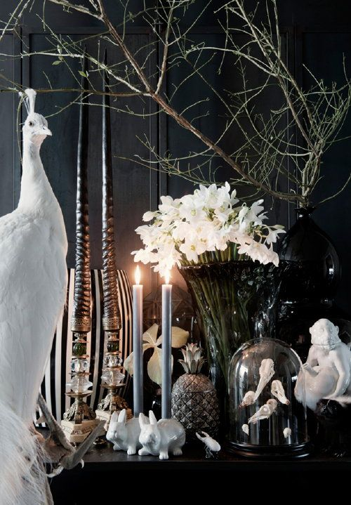 Christmas Styling with Plants & Flowers! Winter Wonderland with Natural Green in Black and White #Christmas Decoration by The Wunderkammer! Perscentrum Wonen