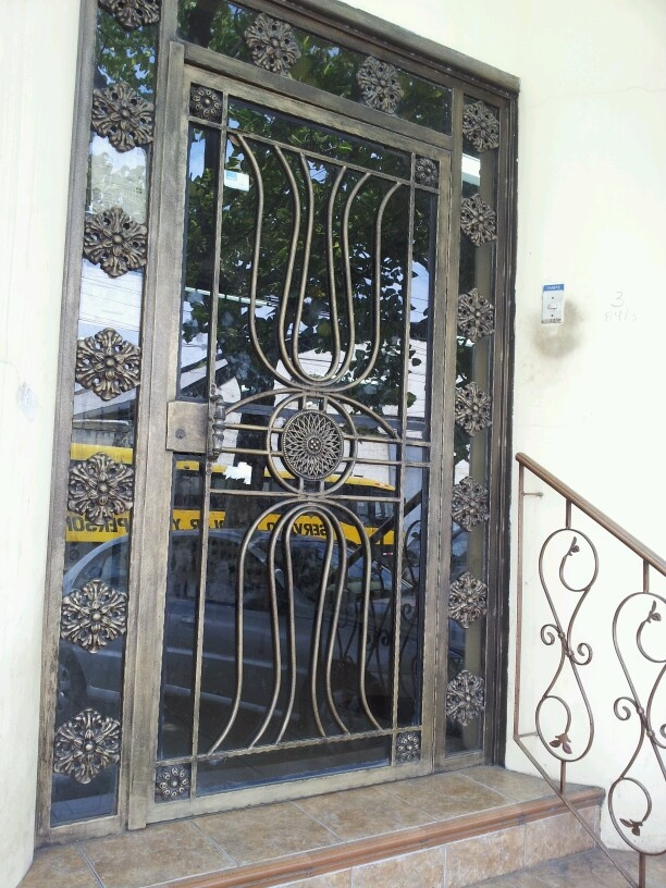 33 best images about puertas on pinterest for Puertas de hierro y madera