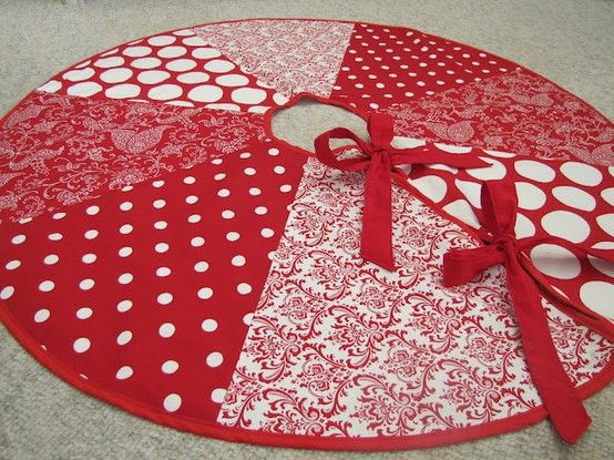 peeks sew tell friday christmas tree skirt with white and red colored materials christmas various kinds of christmas tree skirts with - Christmas Tree Skirt Pattern