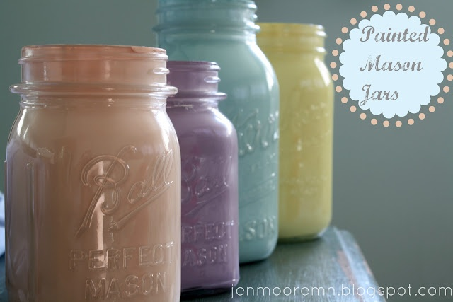 Love these painted mason jars! She has some really great ideas on her blog that I'll definitely be revisiting!