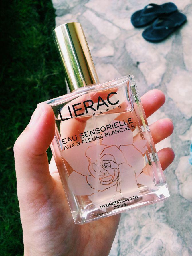 Lierac Paris, Eau Sensorielle Aux 3 Fleurs. Summer scent that reminds me of the riviera and sunny vacation.