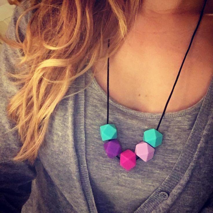 https://www.etsy.com/shop/ByPinja #etsy #style #mommy #mommystyle #imetyskoru #imetys #koru #kantokoru #kaulakoru #kantoliinailu #nursingnecklace #teethingnecklace #babyshower #vauva #vauva2015 #babyshowergift #babywearing #newmom #necklace #äiti