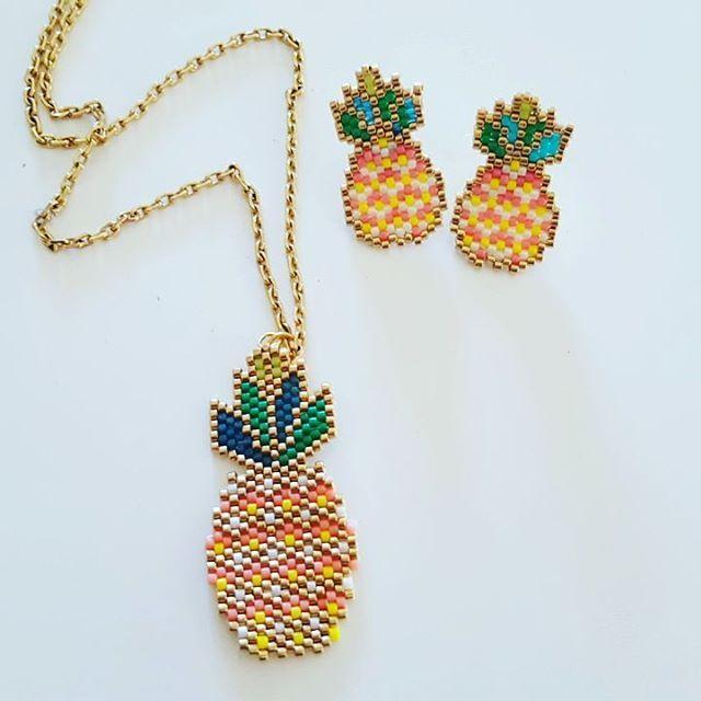 Pour aller avec les BO le pendentif ananas d'après le modèle @etoiles_pistache J'adore #motifetoilespistache #ananasmiyuki #jenfiledesperlesetjassume #brickstitch #miyuki