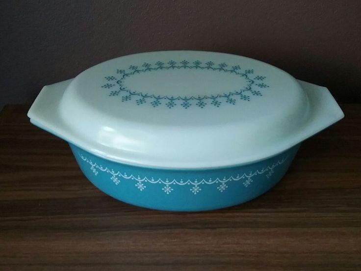 Vintage Blue Snowflake Garland Pyrex Casserole Dish 2.5 QT