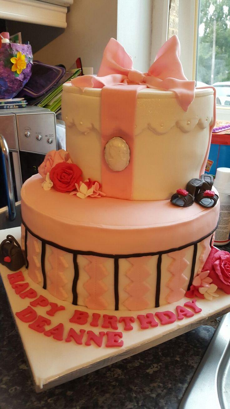 Hat box girly cake x