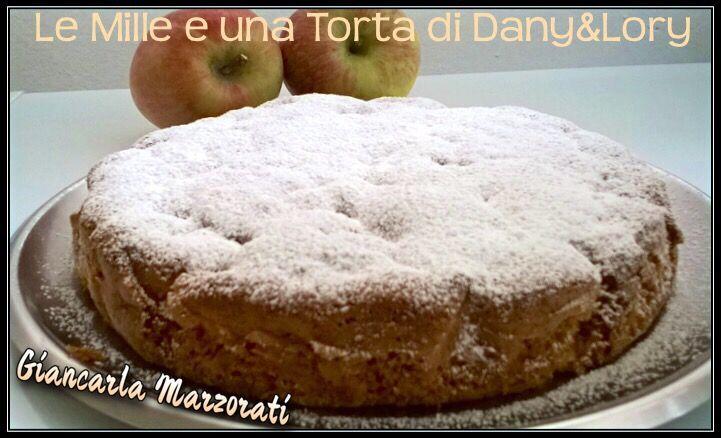 TORTA DI MELE SOFFICISSIMA RICETTA DI: Giancarla Marzorati Ingredienti: 4 mele a pezzettini 4 uova 1 bustina di lievito per dolci 1 bustina di vanillina