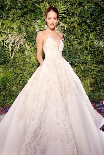 16 best Wedding gown images on Pinterest | Wedding frocks, Bridal ...