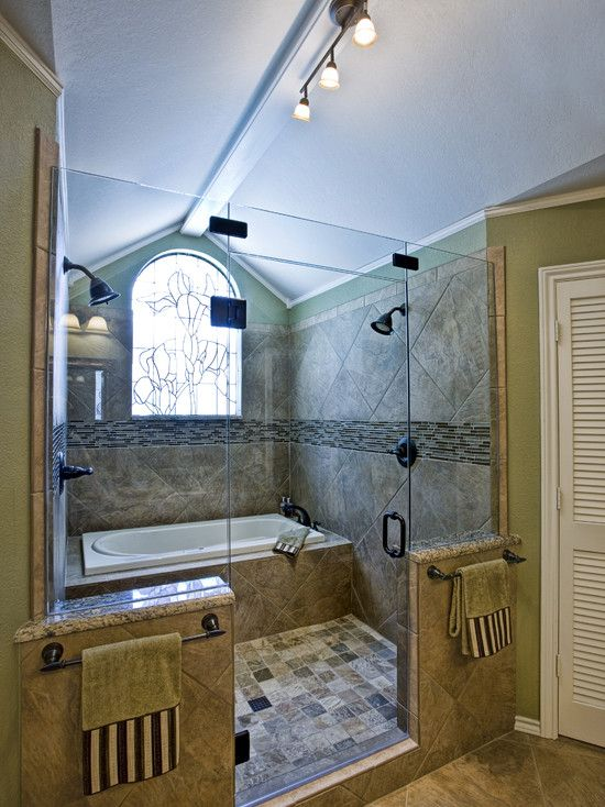 Tub inside the shower (And double showerhead!) No worries about splashing and can rinse off as you get out.