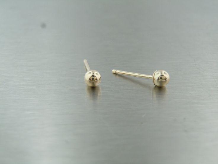 14 Karat Gelb Gold Stud Ohrringe (3mm) von KCDDiamonds auf Etsy https://www.etsy.com/de/listing/153021188/14-karat-gelb-gold-stud-ohrringe-3mm