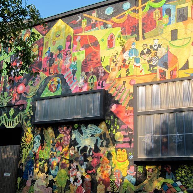 Comic strip murals in Antwerpen