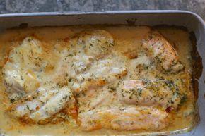Jag lagade en smarrig fiskrätt häromdagen, man kan laga den med både lax &torsk, Jag hade ungefär hälften av varje,servera med pressad potatis eller ris. Det här behöver du till 4-5 personer: 4-5 portionsbitar lax / torsk 2 dl creme fraiche 2 dl vispgrädde rivet skal av en citron … Läs mer