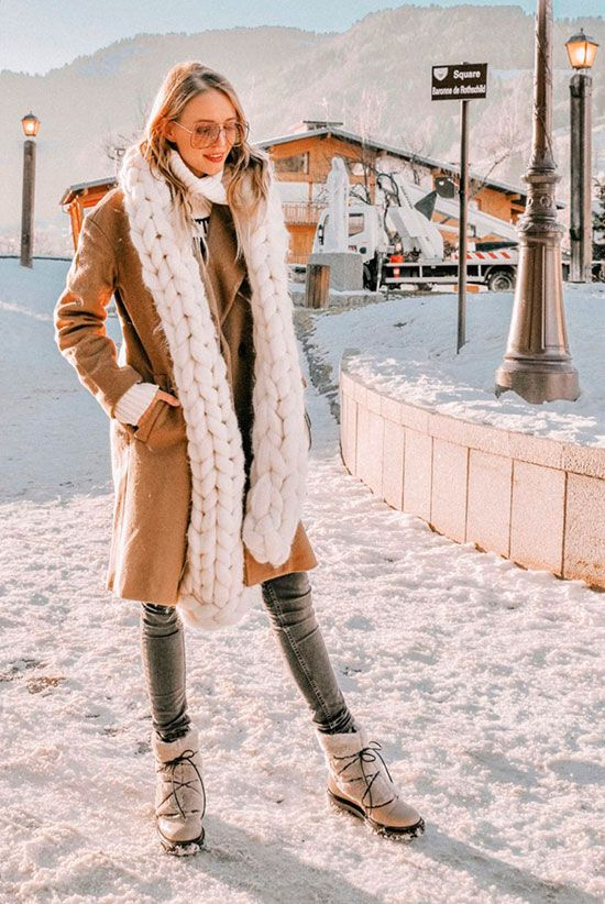 3 Cute Snow Outfits To Try This Winter  Fashion blogger  Ohh Couture   wearing a white chunky knit scarf 472c3b0d2027