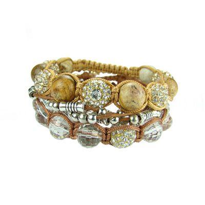 Cojunto de 3 pulseras con hermosas aplicaciones, madera,netales,cristales. www.blucompany.cl