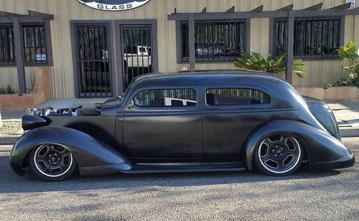 Hot Wheels - Oh man how cool does a slammed hot rod look igers? @chadsautoglassandcustoms and @terralindafarmn making it happen! #hotrod #carporn #chopped #streetrod #americanmuscle #musclecar #raked #stance #streetmachine #lowfastfamous