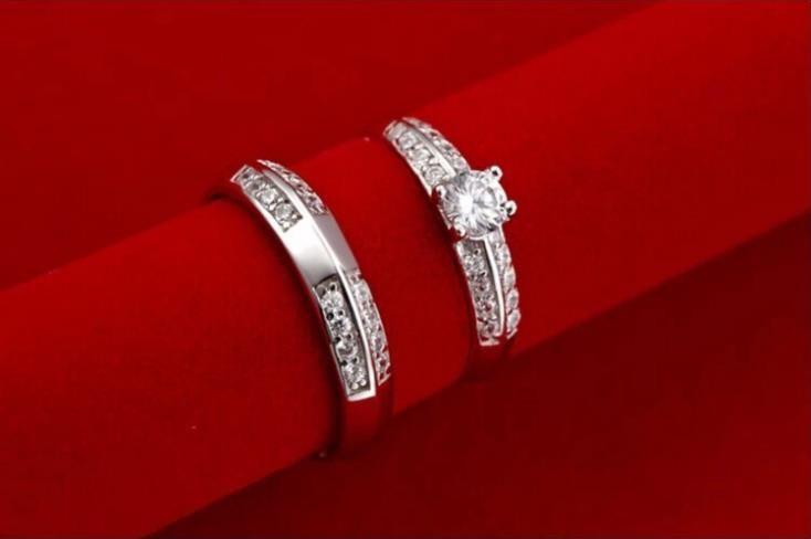 US$5.72   Aliexpress.com: Compre 40% off de noiva conjuntos de jóias de casamento de prata banhado brincos jóias colares anel de cristal colar Set 2015 Ulove T043 de confiança jóias de ouro fornecedores em ULOVE Fashion Jewelry