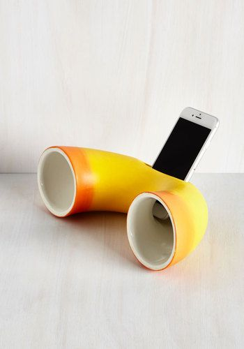 Leader of the Mac Acoustic Amplifier. When it comes to whimsical and wireless accessories, youre way ahead of the game with this ceramic speaker! #yellow #modcloth