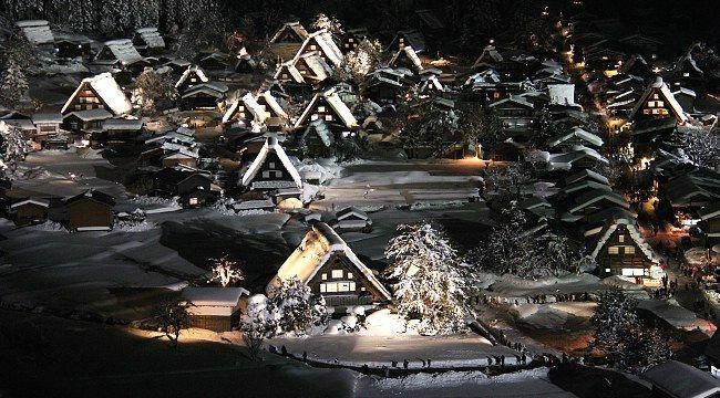 Shirakawa-go and Gokayama Travel: Winter Light-Up