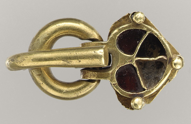 Shoe Buckle [Hunnic or Frankish] (17.190.697) | Heilbrunn Timeline of Art History | The Metropolitan Museum of Art