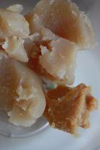 白あんに白みそを加えよく混ぜる。そこへ1のクルミをいれて混ぜる。