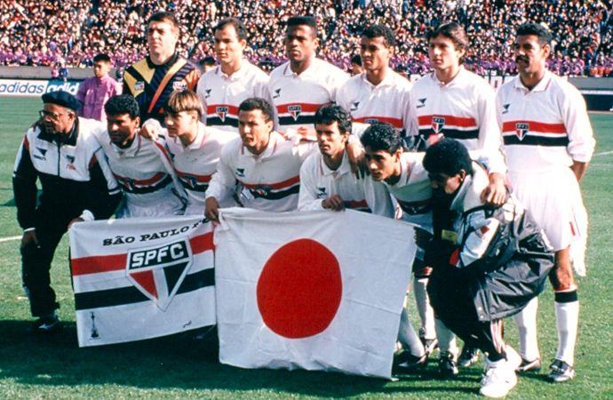 Mundial Interclubes 1993 SPFC 3 X 2 Milan     SPFC: Zetti; Cafu, Válber, Ronaldão e André Luiz; Doriva, Dinho, Toninho Cerezo (capitão) e Leonardo; Palhinha (Juninho, 19'/2) e Müller. Técnico: Telê Santana.