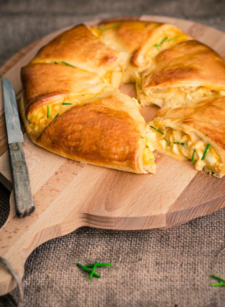 Gevuld paasbrood met eiersalade - The answer is food